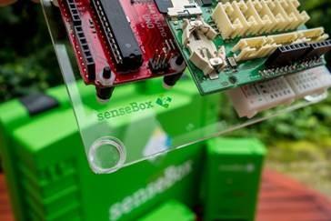 """Die """"senseBox"""" − ein Bausatz mit Sensoren zur Messung von Klimadaten; © WWU/ifgi"""